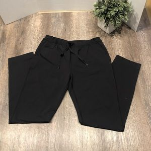 Lululemon drawstring Blk pants size 4 like new